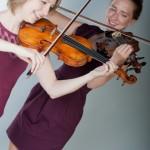 Violin duo Jennifer & Geri