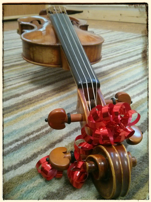 Christmas Violin.Christmas Live Music Special Offer Wedding Function